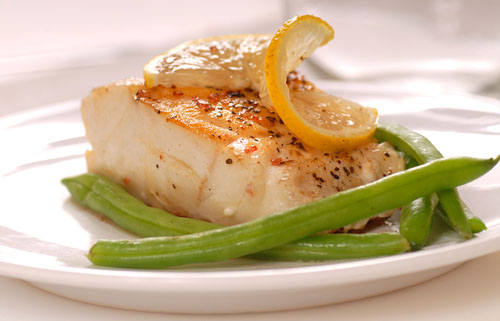 Sauteed Cod Fish with Lemon and Green Beans