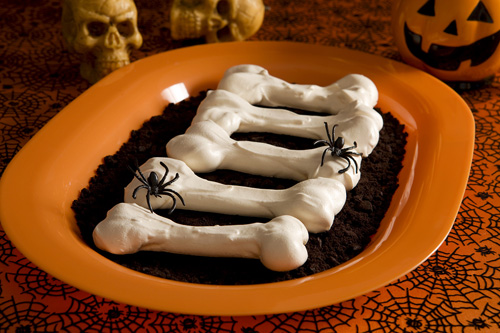 Meringue Bones Halloween Treats